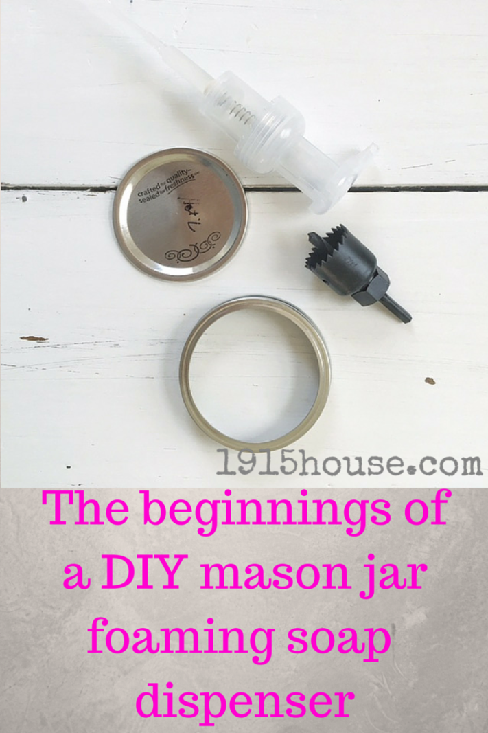 Making your own mason jar foaming soap dispenser is easy and fun! Such a great way to bring in some of that Farmhouse vibe...