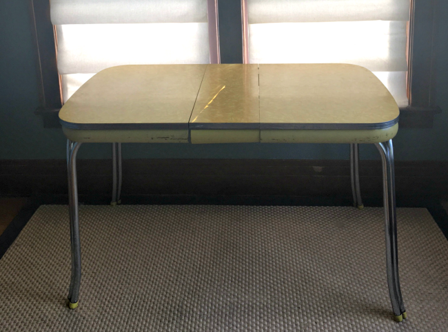 Old formica table gets a fresh new look 1915 house for Table formica