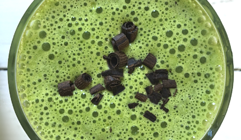 Low Carb Mint Chip Smoothie
