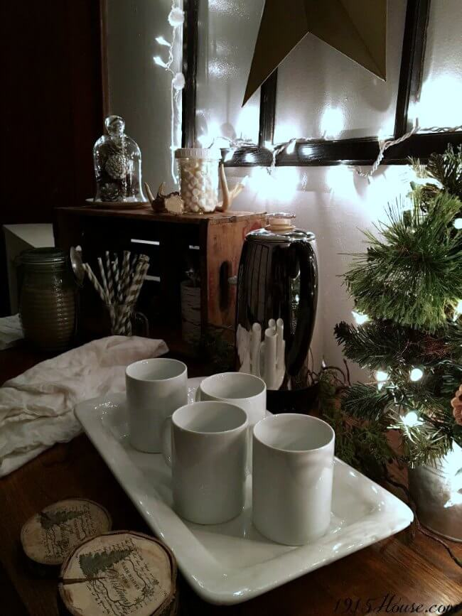 Creating a coffee bar and hot cocoa bar will be essential for the long, cold winter months. Make your friends and family feel welcomed and cozy with this simple coffee and hot cocoa set up.