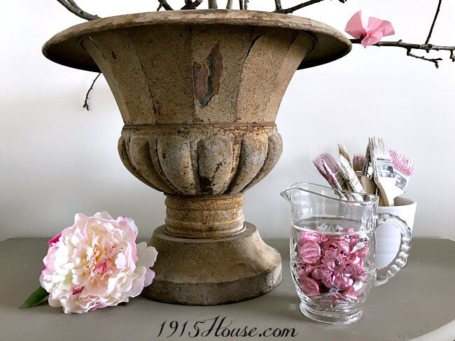 So many great ideas here for creating simple Spring home decor!