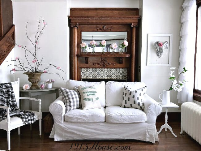 Finally! Spring home decor ideas that WON'T break the bank. Now I can create a beautiful Spring home on a budget.