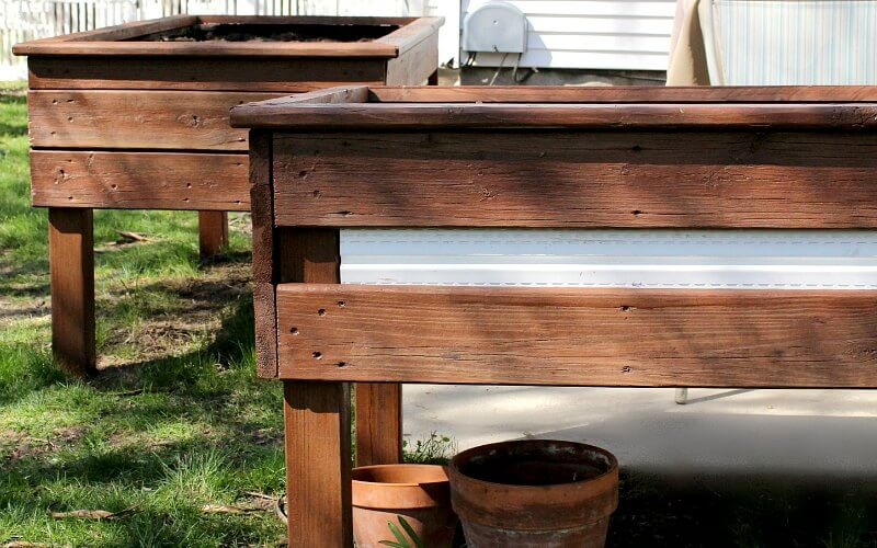 Staining Wood the Easy Way