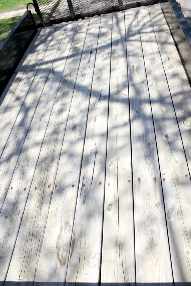 Staining wood floor of a trailer - the easy way!