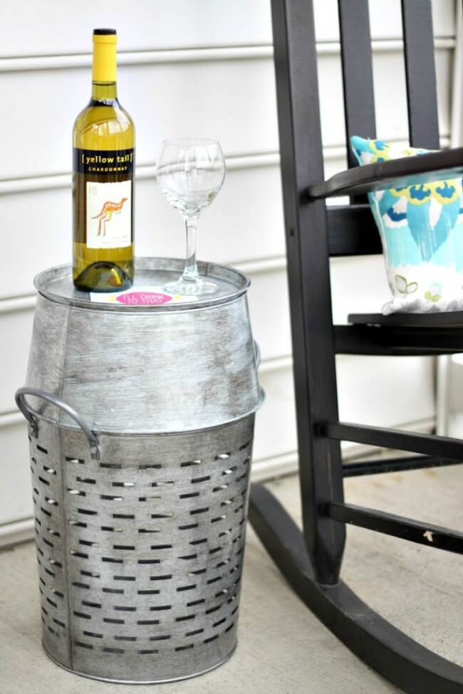 DIY summer furniture ideas-galvanized-table