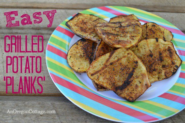 Potatoes on the grill, perfectly charred and delicious! | Grilled potatoes | Grill Recipes | Grilled veggies