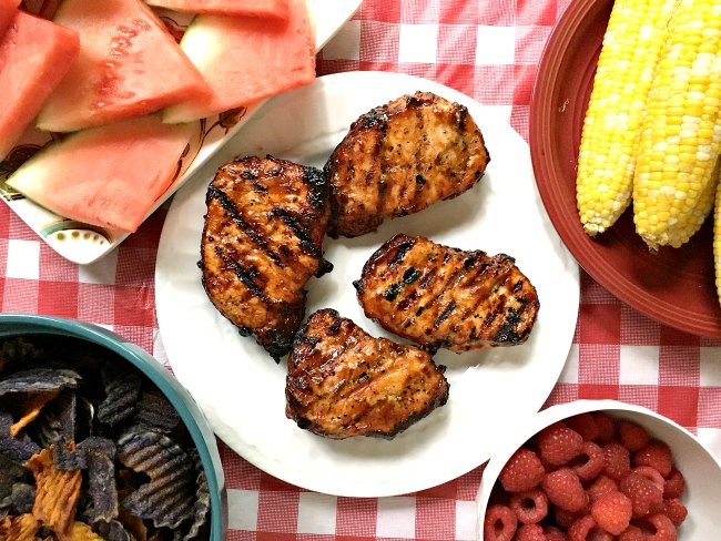 This Peach BBQ Sauce recipe will have you licking your chops! Peach BBQ | grill recipes | Sweet and tangy | Grilling marinade