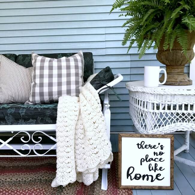 How To Paint That Old Rusty Metal Furniture With A Sprayer That Will Change  How You