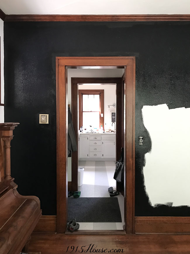 Painting black walls in the dining room