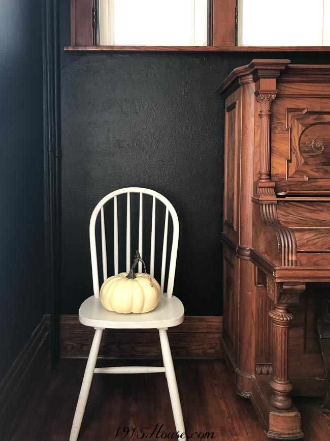 Black walls are comforting, moody, and completely stunning