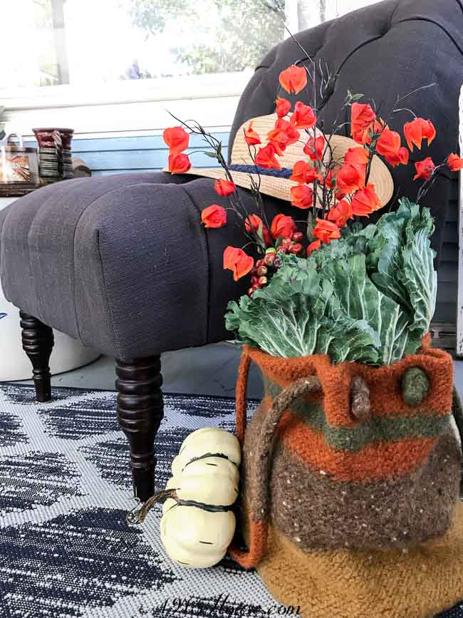 Fall front porch ideas: Simple and organic...(feel free to use faux elements, too!)