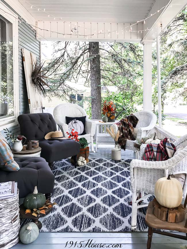 Fall Decor 101: To get the most bang for your buck, incorporate both real and faux elements into your indoor and outdoor spaces.