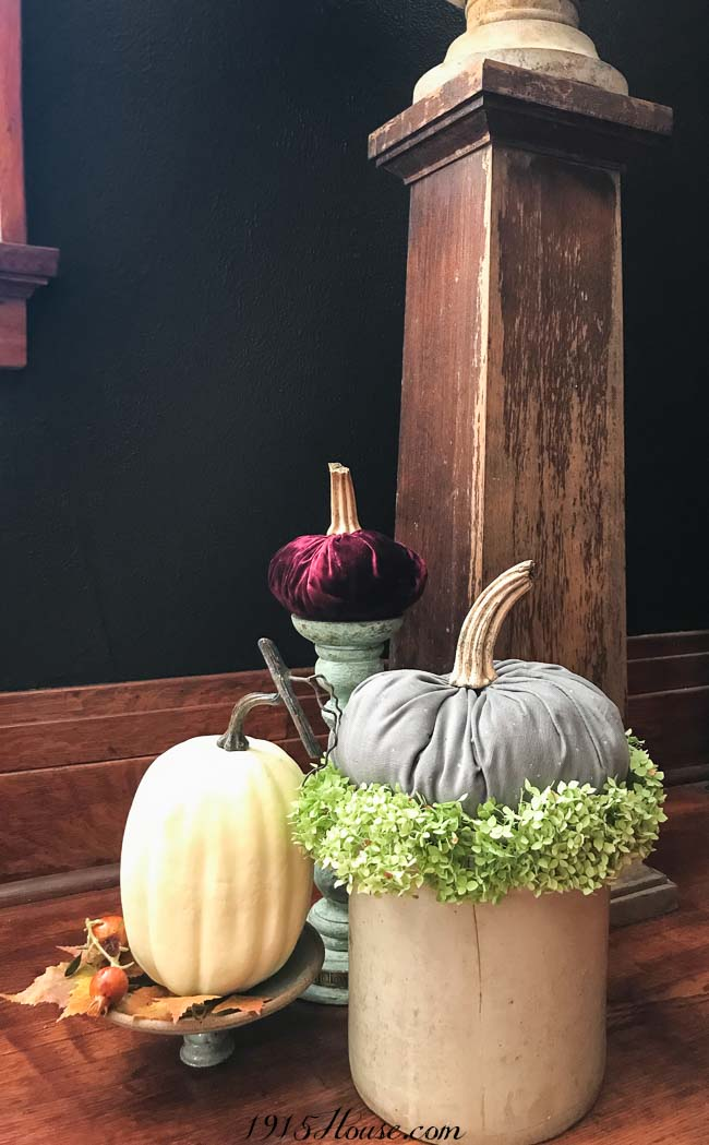 Velvet-and-corduroy-pumpkins-DIY-fabric-pumpkins