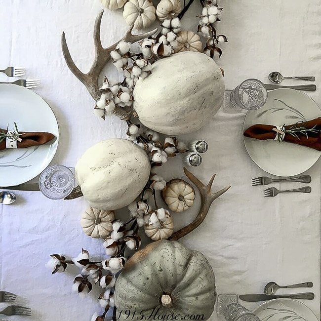 Simple, budget friendly Thanksgiving tablescape