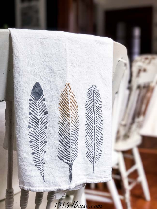 How to stencil fabric 101 - modern stencils done right. See how easy they are to use!