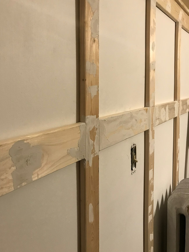 ugly bathroom makeover board and batten